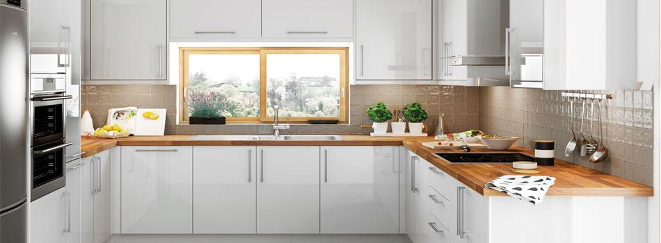 Fitted Kitchen Designs For Small Kitchens