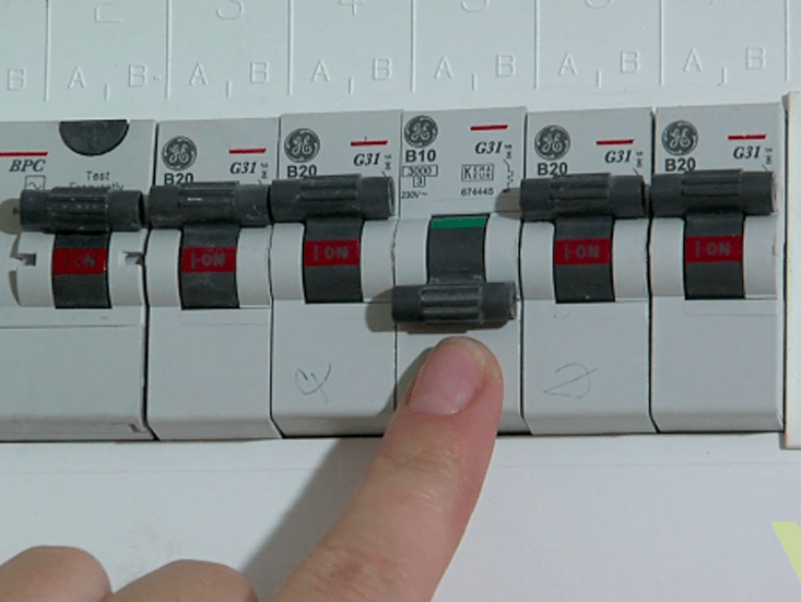 modern fuse box how the fusebox works in the home woodie s 3 in both types of boxes there