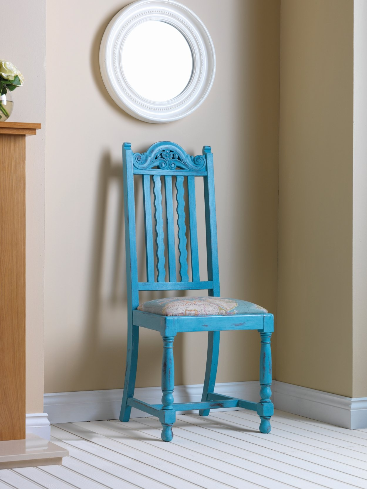 Rust Oleum Chalky Finish Furniture Paint Is One Of The Best Ways To Guarantee Fine Upcycling Results This Will Give Your Chosen Luxury